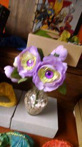 eye flower vase